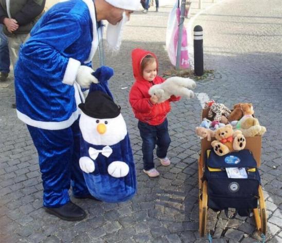 blaue Weihnachtsmann Österreich