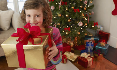 child-with-Christmas-pres-001