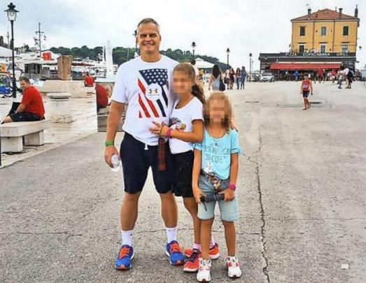 O malú Miah (7, vpravo) bojuje jej otec Andrej s mamou Sabine. Zdroj: anc